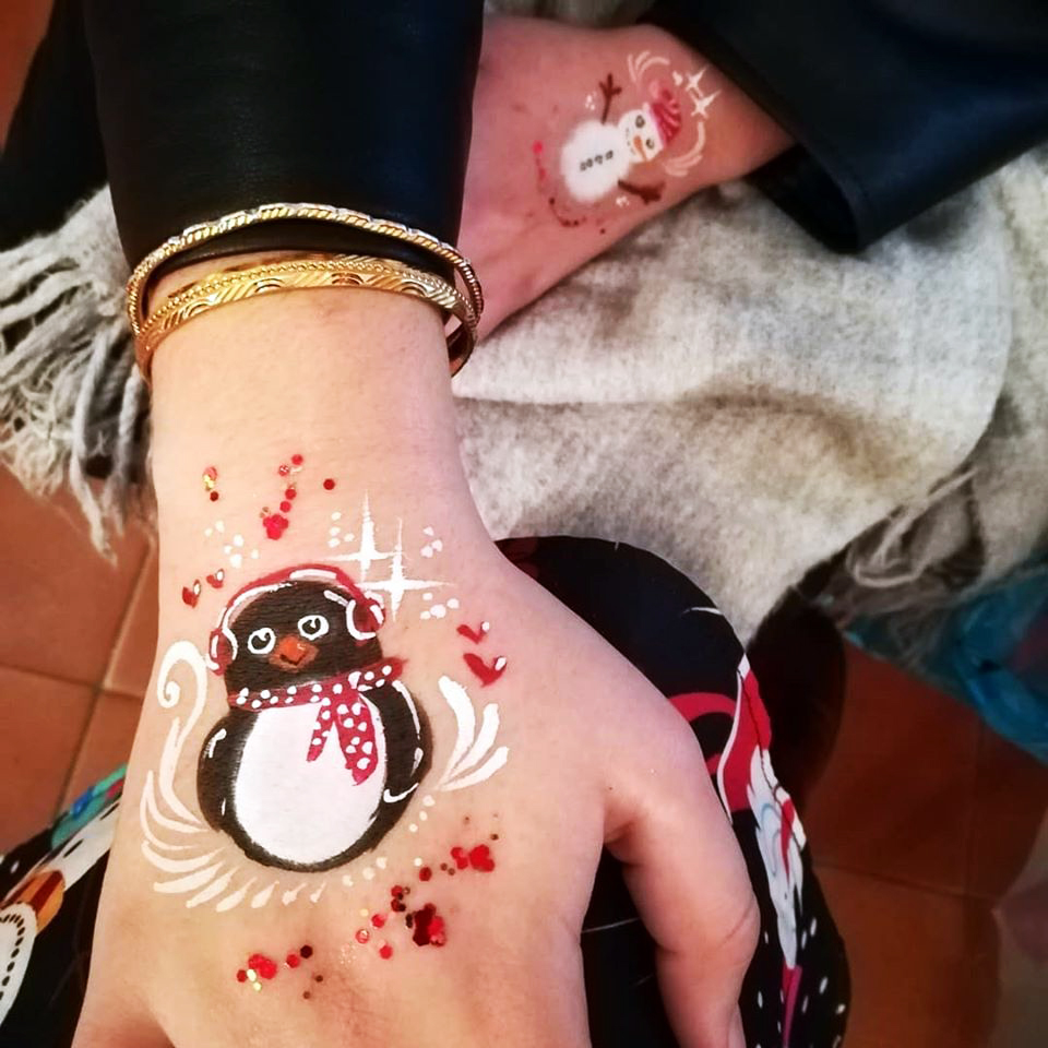 maquillage enfant main pingouin renne arbre de noel