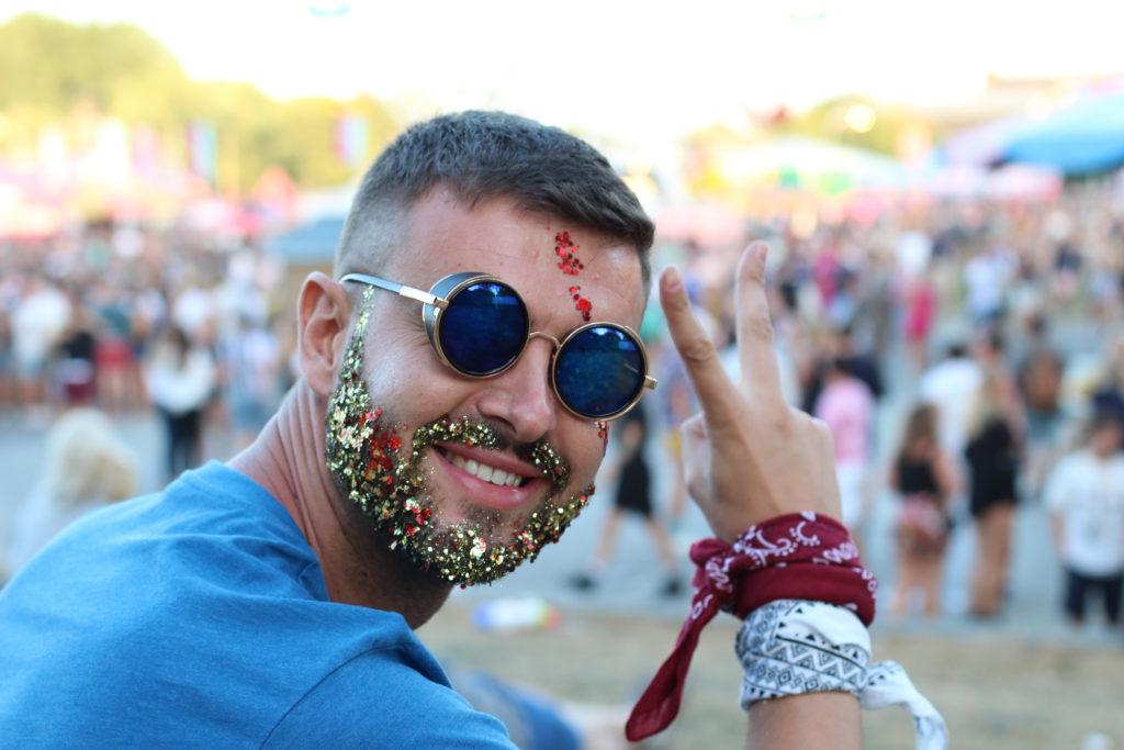 paillette festival barbe